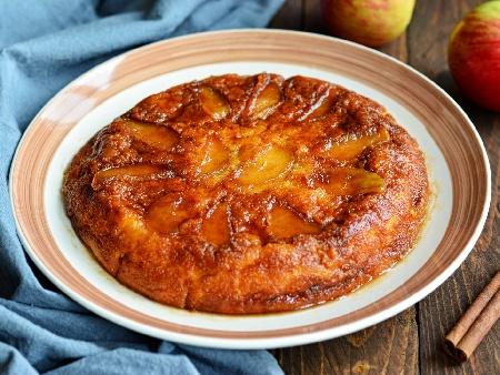 Ябълков пай с карамел и орехи (обърнат сладкиш) - снимка на рецептата
